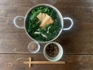 ほうれん草と小松菜、お肌のツヤはどっちが作る?